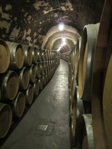 2km of aging tunnels wind under the mountainside of  Peñafiel.